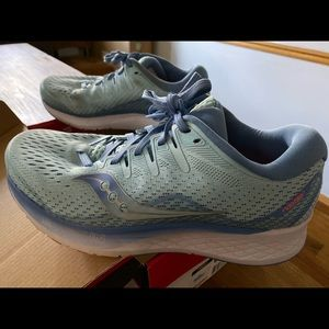 Women's Saucony Ride ISO 2, size 8wide